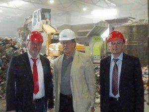 Ernst-Wilhelm Rahe, Burkhardt Schulte und Achim Post in der Annahmehalle der MBA